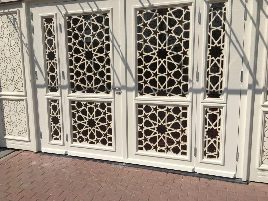 deuren voor het Paleis in Schiedam